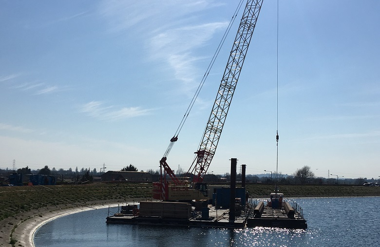 A floating crane at Staines Reservoir